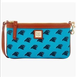 🌟NWT Dooney & Bourke Carolina Panther Wristlet🌟
